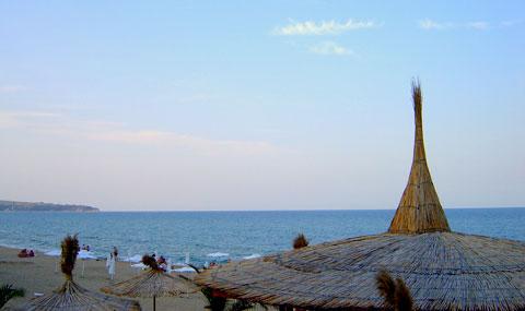 бар на плажа в обзор